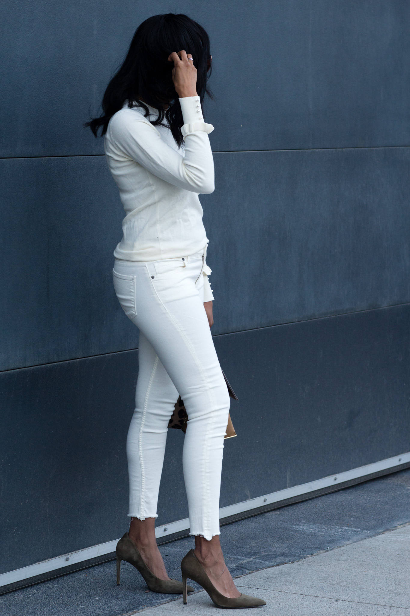 mixing cream and white outfit